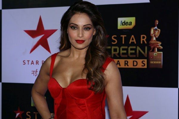 Bipasha Basu Disappointments Fans Says Not Pregnant Yet 1 - 10 Bollywood Actresses You Never Knew Had Breast Implants