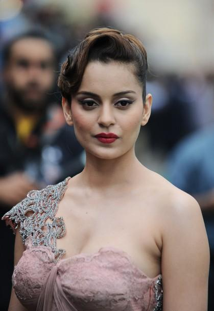 kangana1 - 10 Bollywood Actresses You Never Knew Had Breast Implants
