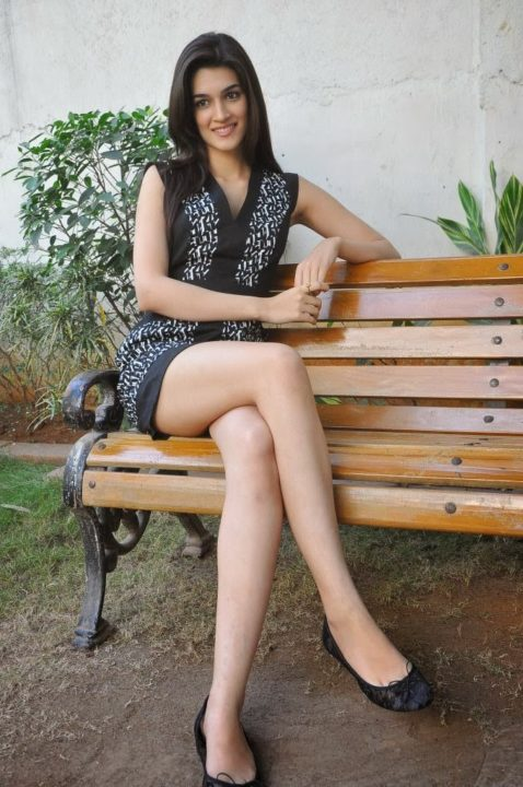 kriti sanon hot 1 - Hottest legs in Bollywood! Tall actresses in Bollywood