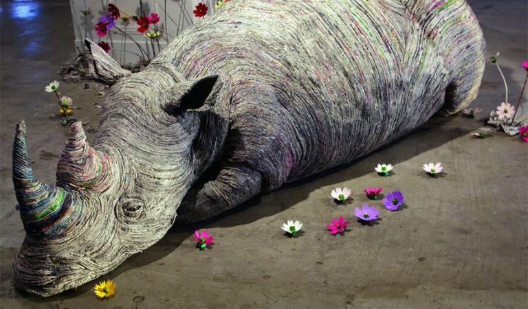 Japanese Artist Tightly Rolls Newspaper To Create Incredibly Realistic Animal Sculptures 11 Pics 768x450 - Japanese Artist Tightly Rolls Newspaper To Create Incredibly Realistic Animal Sculptures