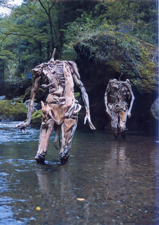 1486541935 515 haunting driftwood sculptures by japanese artist nagato iwasaki - Japanese Artist Nagato Iwasaki Creates Amazing Driftwood Sculptures That Will Scare You