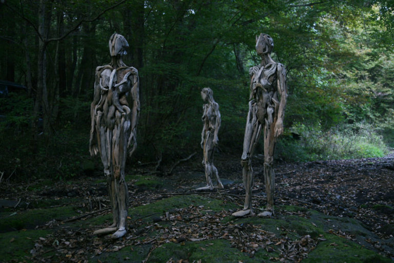 1486541935_851_haunting-driftwood-sculptures-by-japanese-artist-nagato-iwasaki