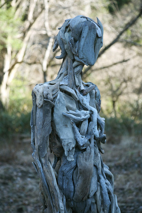1486541935 961 haunting driftwood sculptures by japanese artist nagato iwasaki - Japanese Artist Nagato Iwasaki Creates Amazing Driftwood Sculptures That Will Scare You