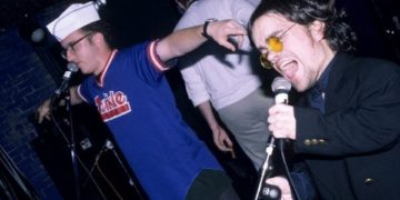 peter-dinklage-was-the-frontman-of-a-punk-rock-group-in-the-90s-8-photos-24