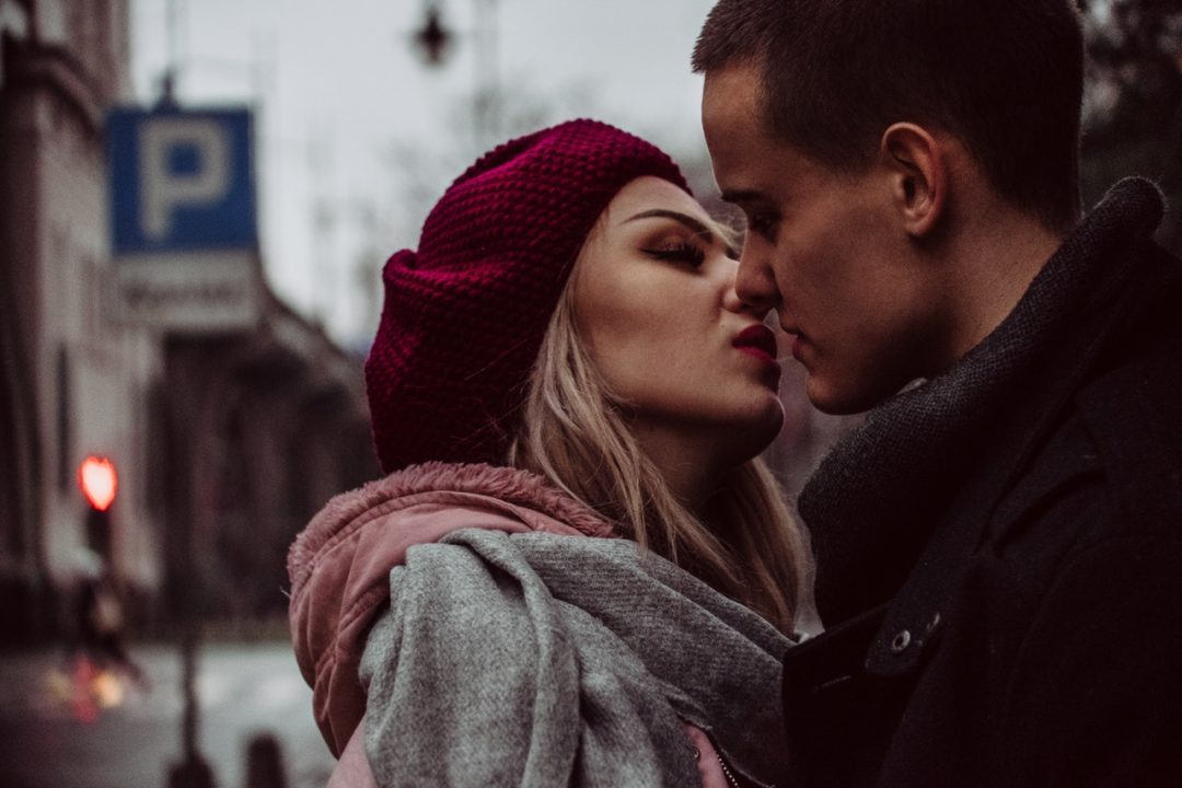 pexels photo 850399 - Is It Ok To Sleep With Someone On The First Date?