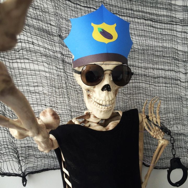 12105106 949388155136107 1551597219 n 720x720 - Meet Skellie: A Skeleton That Mocks Instagram Girls Photos And Its Damn Hilarious