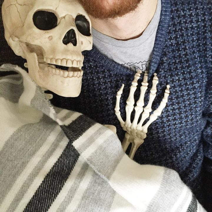 16122957 1813141525605772 6682153120329367552 n 720x720 - Meet Skellie: A Skeleton That Mocks Instagram Girls Photos And Its Damn Hilarious