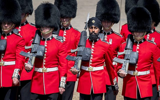 AP 18160457141377 640x400 - First Soldier To Wear Turban Instead Of Bearskin Hat During March Is 'Hoping To Change History'
