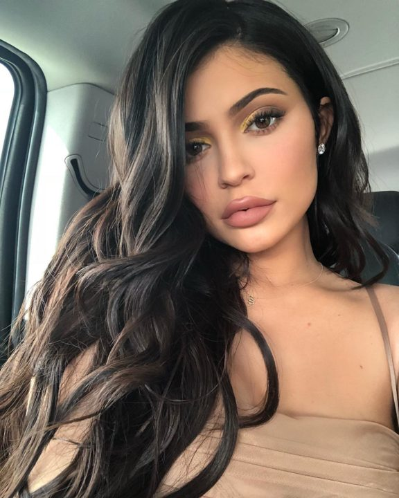 31502055 2119104231693120 7899075813809586176 n 576x720 - Kylie Jenner Has Removed Her Lip Fillers And People Are Shocked