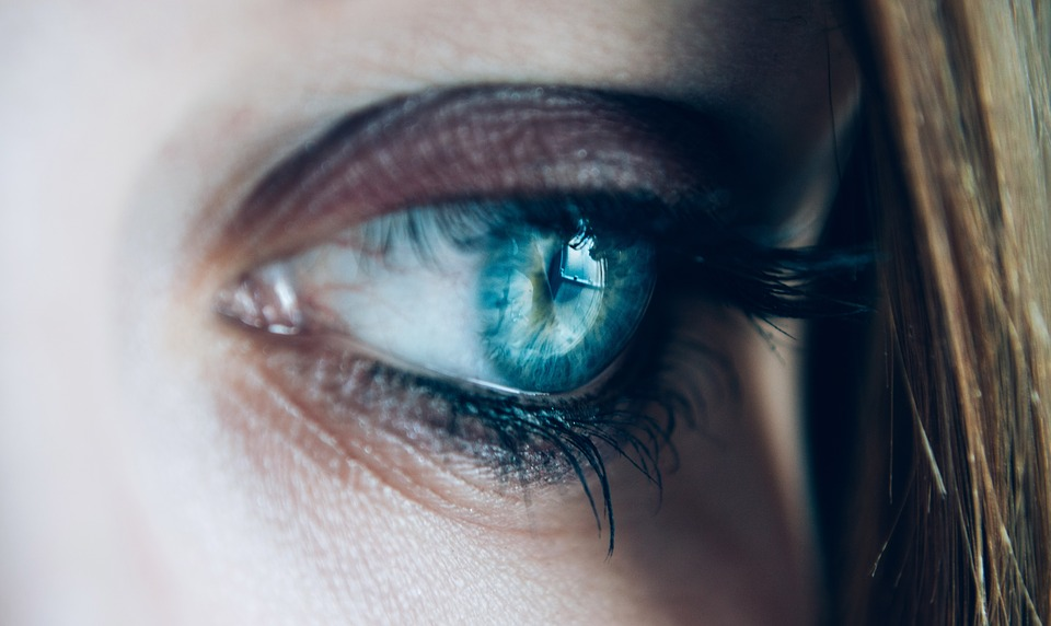 close up 1837213 960 720 - People With Brown Eyes Actually Have Blue Eyes Under A Layer