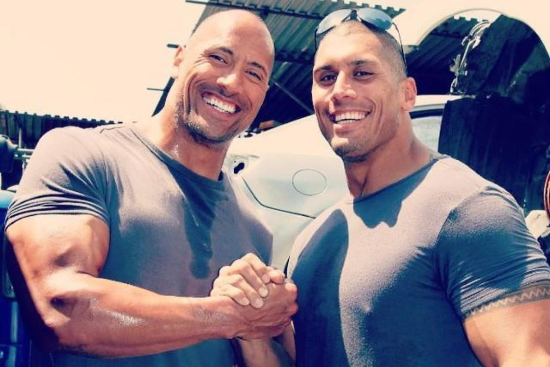 """nintchdbpict0003458501941 - Dwayne Johnson 'The Rock' Surprises His """"Twin"""" Stunt Double With A Heart Warming Gift"""