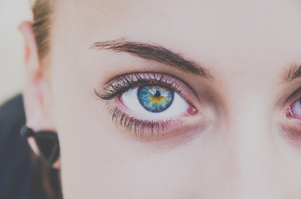 people 2572029 960 720 - People With Brown Eyes Actually Have Blue Eyes Under A Layer