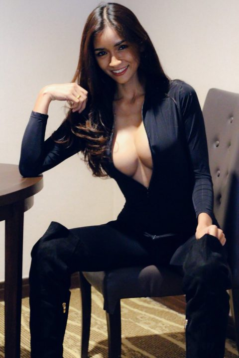DlXd DpV4AA5u5P - Bella Thai-The Sexy And Beautiful Model From Thailand