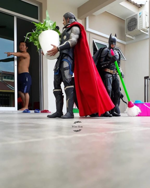 With just one smartphone man makes incredible pictures of him with toy superheroes using perspective 5b874fa7093a7  880 - What If Superheroes Were Your Servants!