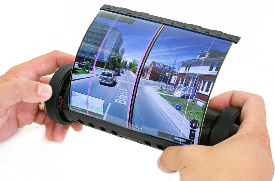 magicscroll e1535710727574 - Ancient Scroll Inspired MagicScroll-World's First Flexible And Rollable Tablet