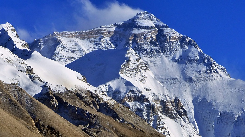 snow 3297561 960 720 - The Height Of Mount Everest Was Increased To Few Feet When It Was First Calculated