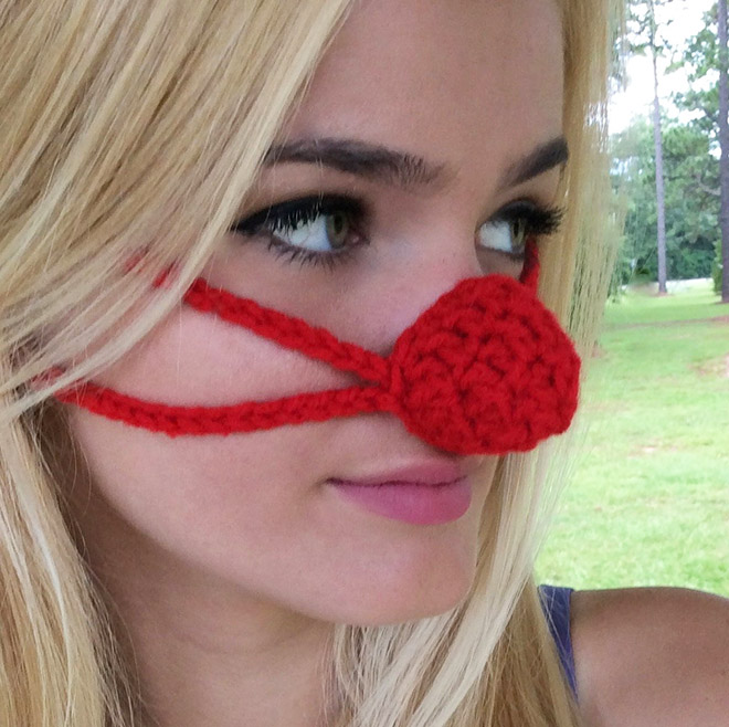 nose warmer2 - Is Your Nose Always Cold? Then Try Nose Warmers To keep Your Nose Warm